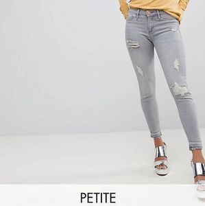 ❤[3/$35] River Island Molly Petite Ripped Jeans